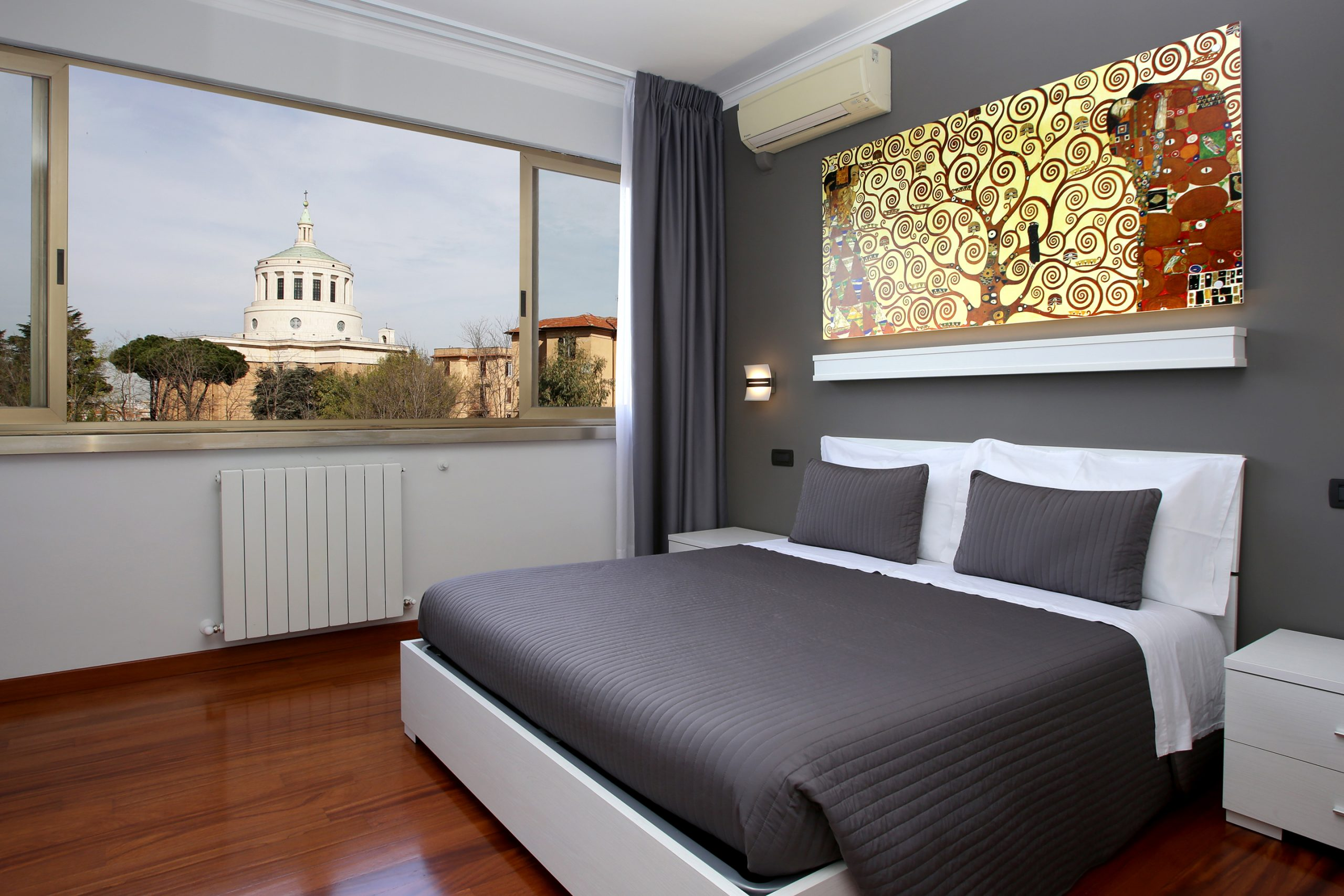 J24 B&B - bed & breakfast roma eur - Klimt - camera matrimoniale con bagno privato