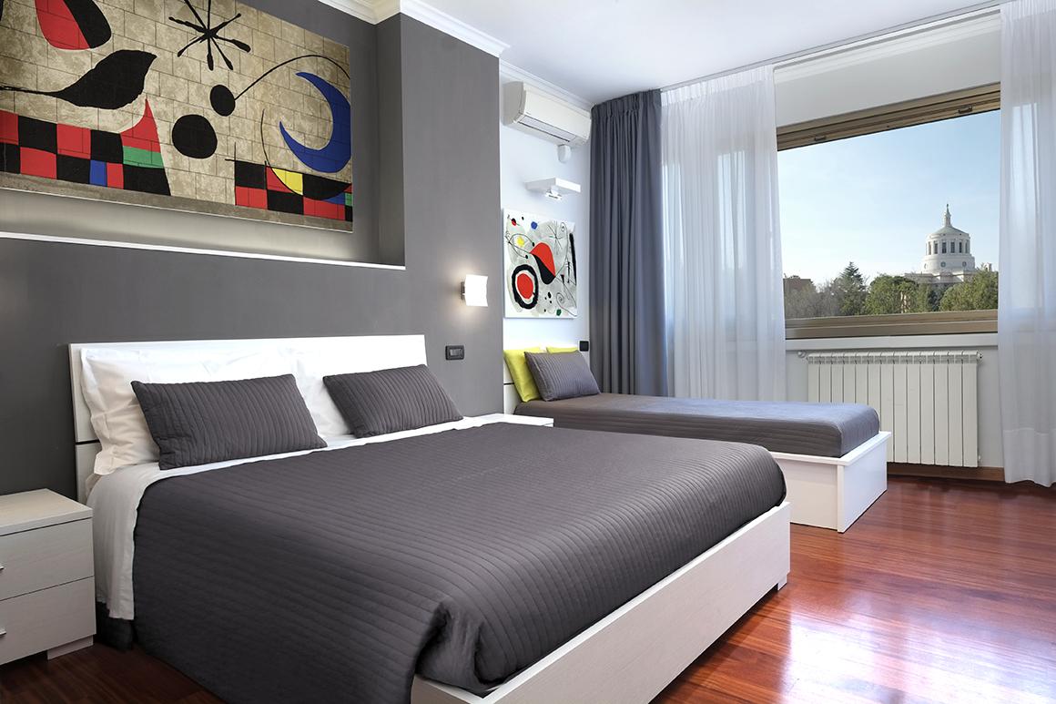 J24 B&B - bed & breakfast roma eur - Mirò - camera tripla con bagno privato